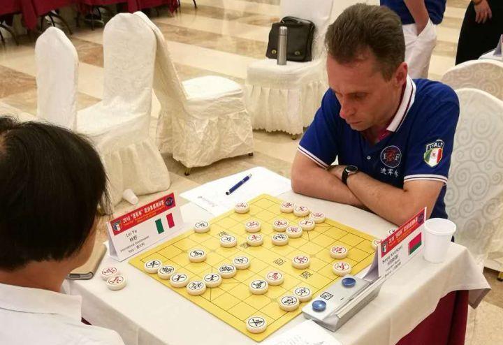 Сергей Корчицкий против международного гроссмейстера Линь Е (Lin Ye)
