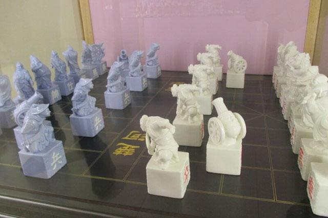 китайские шахматы сянци из фарфора